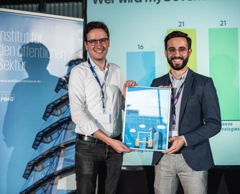 gewinnt myGovernment Hero Award